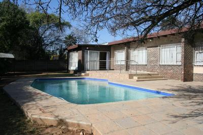 Property For Sale in Croydon, Kempton Park